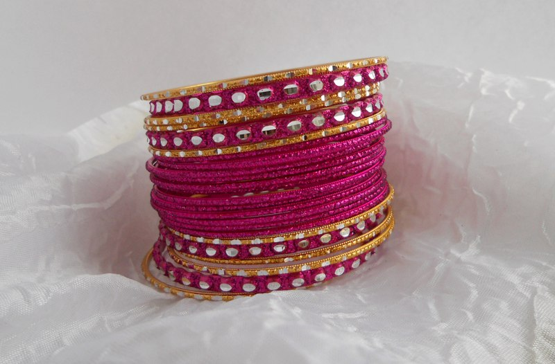 Набор браслетов (розовые)